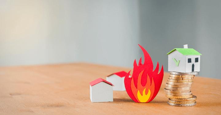 破損汚損 火災保険 選び方 事例